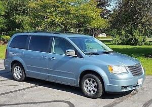2008 Chrysler Town & Country Minivan, Van with Lift and Scooter