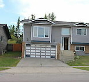 Edgemont- Rent this Beautiful 4 Br/3 Bath Bungalow !!!