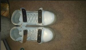 Selling my shoes. Used them 3 times.