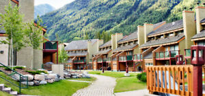OFFERS?  1 week Panorama Vacation Retreat at Horsethief Lodge