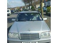 Mercedes C200 Estate. FSH. MOT. EW. EM. PAS. RCL. LOW MILES FOR AGE.