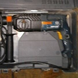 Bosch gbh 2se 240v Bosch gbh 2se with cary case. Can deliver or post