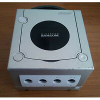 GAME CUBE SANS MANETTE NI POWER SUPPLY 20$