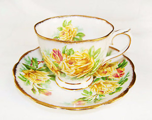 Royal Albert Yellow Tea Rose  Saucer