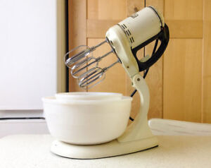 1940's GE STand Mixer Hotpoint London Ontario image 8