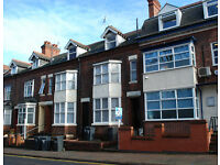 Studio Flat in Fosse Road North, Leicester, LE3