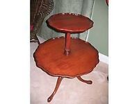 Petite table desserte antique