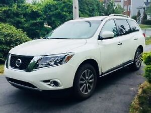 2015 Pathfinder - lease takeover- 24 months left