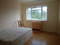 HUGE and BRIGHT DOUBLE ROOM with BALCONY - ANGEL !!!