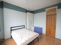 Beautiful 2/3 Bedroom Flat - Barons Court