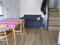 £310 / w - Split level one bedroom flat close to Hammersmith stations