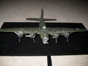 WWII AIRPLANE MODEL/MEMPHIS BELLE London Ontario image 1