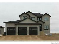 Fantastic 5Bed+4Bath Home with beautiful Features!- Weyburn, SK!