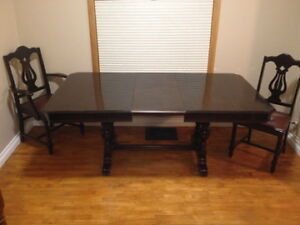 Reduced Dining Table, 5 chairs & Hutch