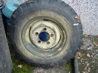 Land Rover Series wheel and tyre