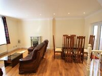 ABSOLUTELY STUNNING& AMAZING 4 BEDROOM APARTMENT LOCATED IN CHELSEA !*