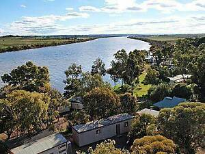 Houseboat Moorings Tailem Bend The Coorong Area Preview