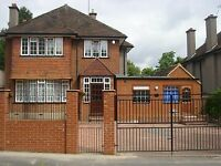 One Bedroom Annex Apartment Next to Garvel Hill Tram Stop in Croydon