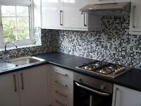 SUPERB 2 BEDROOM FLAT NEAR ZONE 2 TUBE, 24 HOUR BUSES & SHOPS
