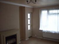 One bedroom, fully furnished flat located in a leafy cul-de-sac AVAILABLE NOW £535 PCM