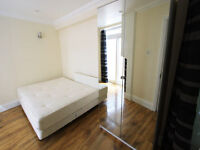 Fantastic 4 bedroom house in Chelsea *** Available from 10/08 ***