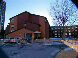 2 LEVEL 2 BED CONDO IN CENTRAL HALIFAX!