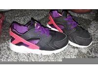 Size 6.5 huraches trainers