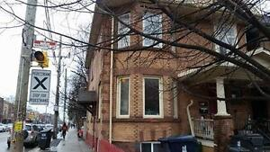 2 Bedroom Apartment on Roncesvalles Ave for rent