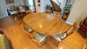 **AWESOME MAPLE DINING SET WITH CHAIRS**