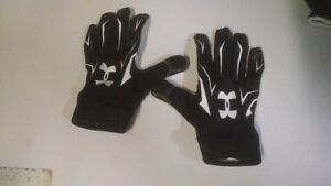 LIKE NEW Football gloves (receivers) - Under Armour and Cutters
