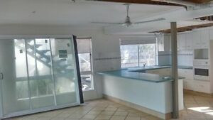 Kitchen second hand needs removing Sunrise Beach Noosa Area Preview
