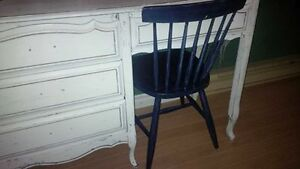 Solid wood desk and chair Windsor Region Ontario image 1