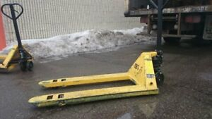"Pallet Pump Truck-used,27x48"",5500 Lbs,nylon tryes, excellent wo"