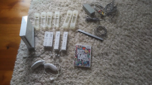 Nintendo Wii with Just Dance 2015, 4x controllers, 2x nunchuks