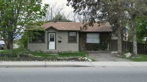 3 bdrm 2bath Home for Rent in Central Rutland--Avail June 1
