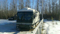 2003 Fleetwood American Tradition 40Q diesel pusher 2 slides