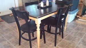 Primitive Table, 4 Chairs