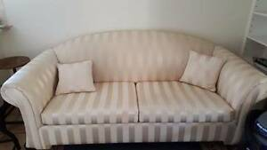 2 Steater sofa in cream Kingswood Penrith Area Preview