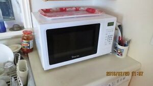 Small microwave...PERFECT for a college student!