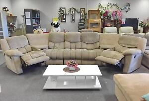TODAY DELIVERY BEAUTIFUL LUXURY THEATRE RECLINER Sofas couch Belmont Belmont Area Preview