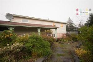 441 Main Rd - Mobile - Private, Ocean View Home on Four Acre Lot