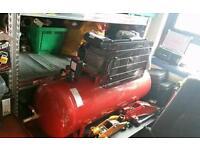 New Clarke boxer 150 Lt belt drive 230 v garage air compressor - air hose