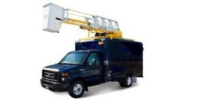 2014 Ford E-350 Cube 12 pieds  **NACELLE  RH38**
