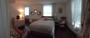 Superbe 2 chambres / 2 Rooms