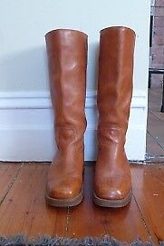 tan boots in excellent condition Clifton Hill Yarra Area Preview