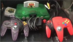 N64 Verte avec 2 manettes et 2 jeux Peu négociable