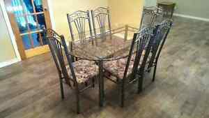 Discounted - Glass dining room table with 6 chairs Kitchener / Waterloo Kitchener Area image 1