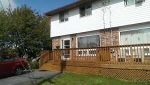 3 BEDROOM SEMI ON QUIET STREET IN WOODLAWN!