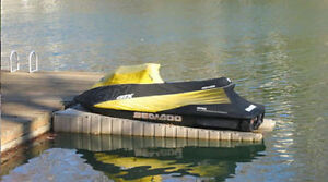 Floating seadoo lift