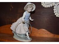 Nao by Lladro Figurine girls with Bouquet and Hoop